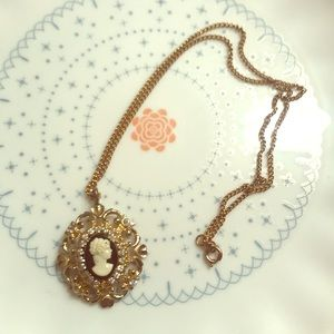 Jewelry - Cute necklace!